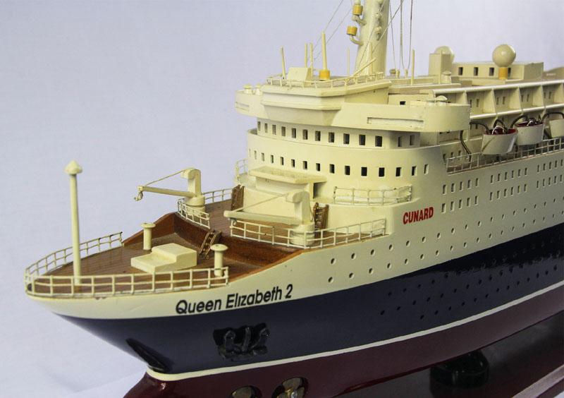 mo-hinh-du-thuyen-queen-elizabeth-ii-ghs-691 (2)