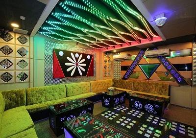 thiet-ke-noi-that-quan-karaoke-tai-cau-giay-chi-anh-Minh