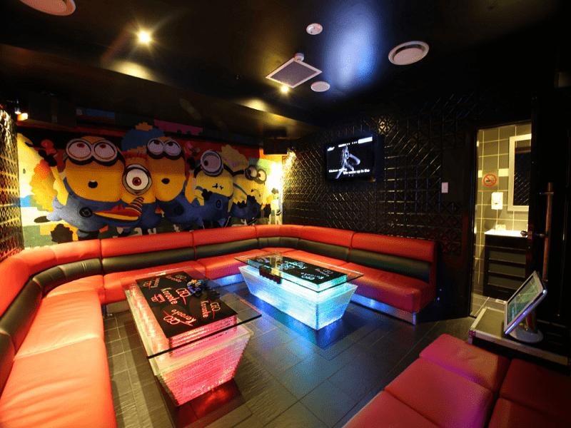 thiet-ke-noi-that-quan-karaoke-tai-minh-khai-chi-Huong-1