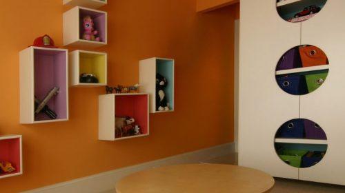 Kệ gỗ đa năng phù hợp với mọi không gian