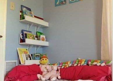Thiết kế góc đọc sách đẹp mê hoặc trong phòng bé
