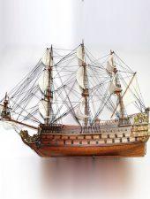 Mô hình tàu thuyền chiến cổ Le Soleil Royal GHS-6101