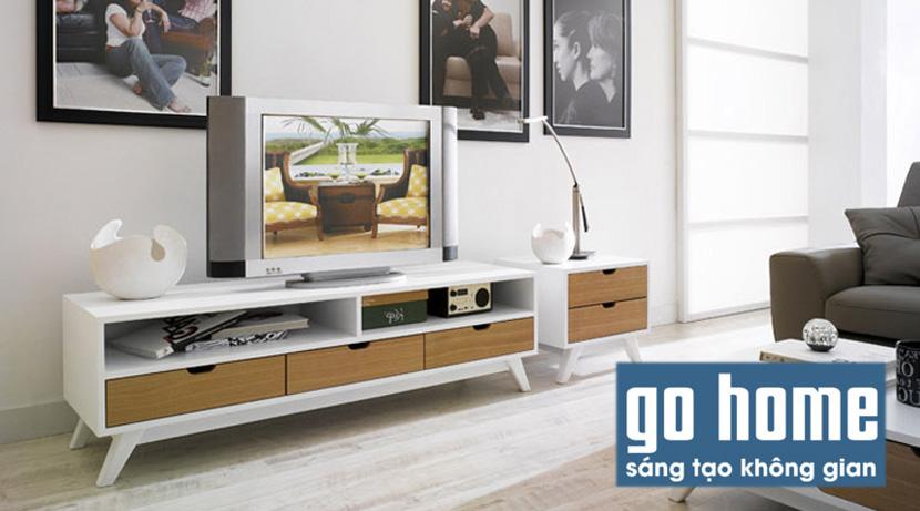 Kệ tivi GHS-3202 được làm từ chất liệu chất liệu gỗ MDF phủ bóng 2K + Gỗ sồi tự nhiên với thiết kế 3 ngăn kéo và 2 hộc để đồ, sản phẩm không chỉ đẹp mà còn vô cùng tiện dụng.