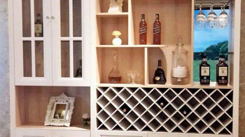 Tủ rượu trưng bày đa dạng mẫu mã cho phòng khách