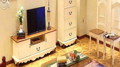 Nội thất đơn giản mà đẹp với kệ tivi treo tường