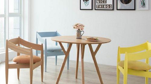 Nhanh tay chọn ngay một mẫu bàn gỗ siêu xinh cho không gian gia đình