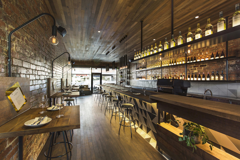 Thiết kế nội thất pub