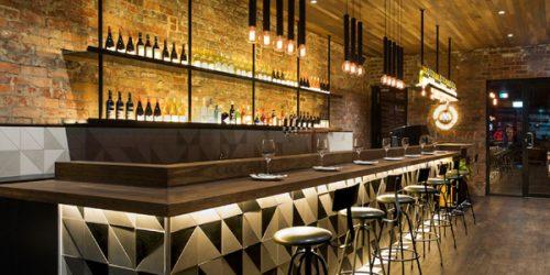 Thiết kế nội thất quán pub độc đáo đầy sức hút