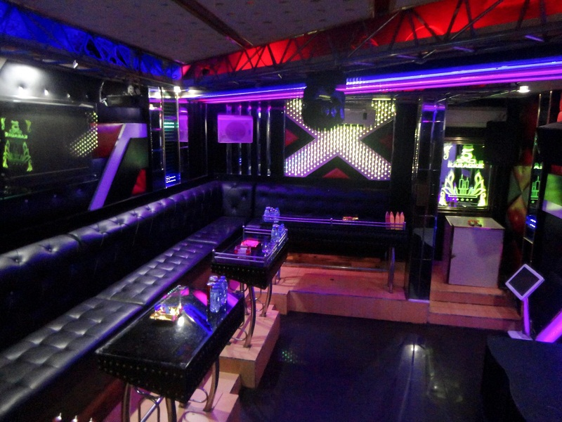 thiet-ke-noi-that-phong-karaoke-vip-tai-linh-dam-anh-Thanh-11