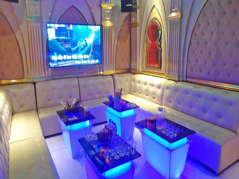 thiet-ke-noi-that-phong-karaoke-vip-tai-linh-dam-anh-Thanh-2