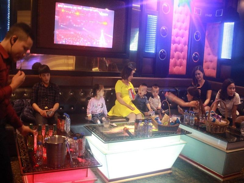 thiet-ke-noi-that-quan-karaoke-hien-dai-tai-nguyen-xien-anh-duc-4
