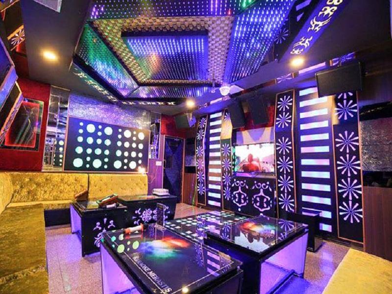 thiet-ke-noi-that-quan-karaoke-tai-cau-giay-chi-anh-Minh-4