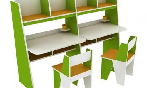 Cha mẹ chọn mua mẫu bàn học đôi tiện dụng cho bé với giá cực ưu đãi.