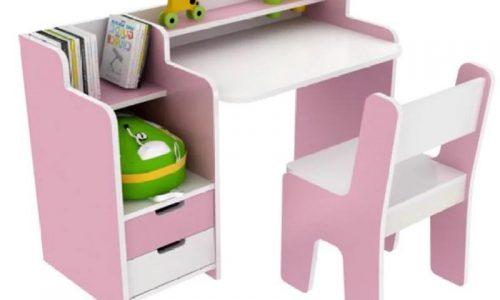 Chọn mua bộ bàn học cho bé vào lớp 1 với giá cực ưu đãi này cha mẹ.