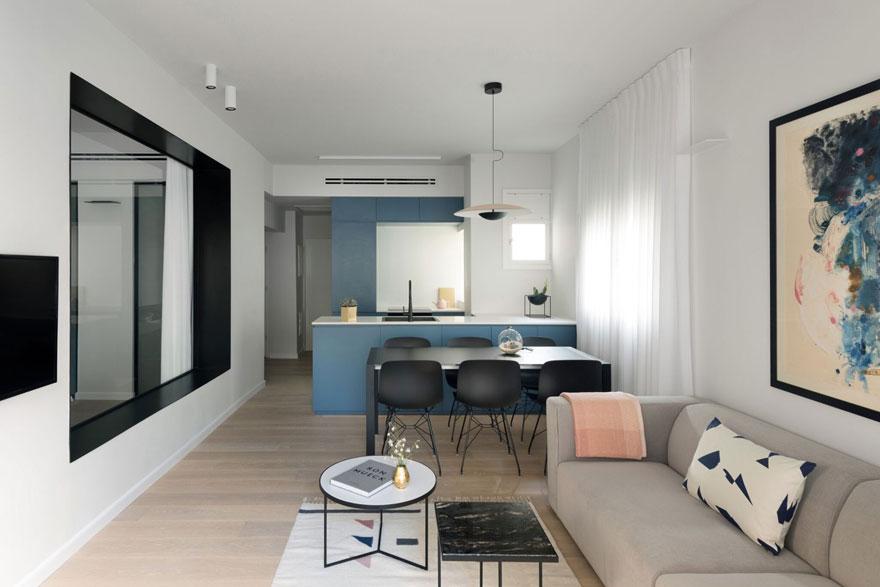 Phòng khách của căn hộ chung cư B3 được thiết kế nối liền với nhà bếp