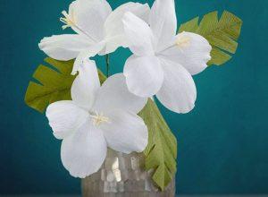 Khéo tay tự làm hoa giấy trang trí bằng giấy nhún, đơn giản nhưng tinh tế