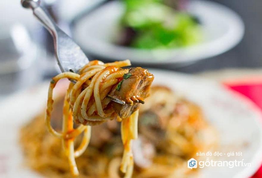 mi-Spaghetti-xao-nam