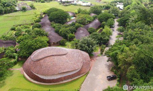 Hội trường thể thao độc đáo bằng tre và đất tại Thái Lan