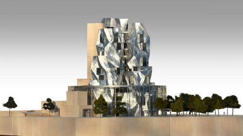Tòa tháp ngọn cao sừng sững ở miền Nam nước Pháp