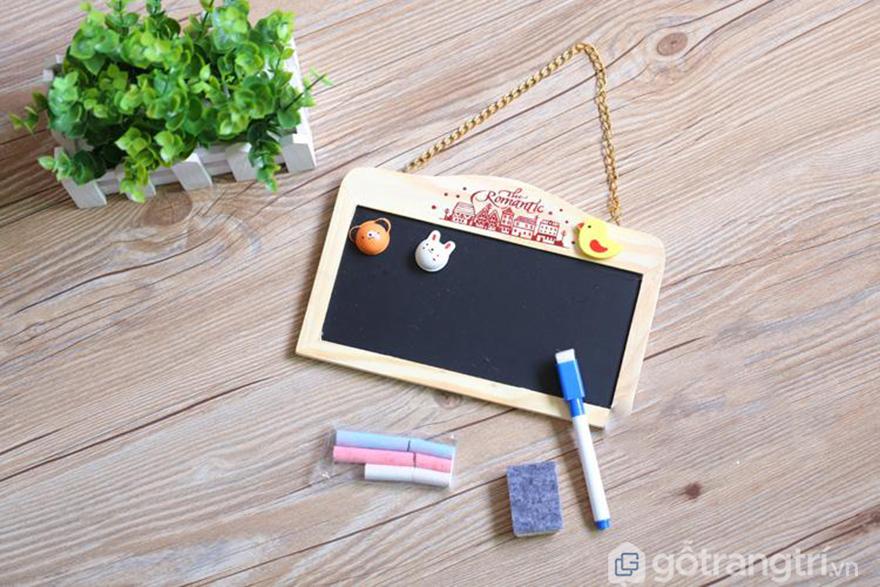 Bang-go-treo-tuong-kieu-dang-nho-gon-GHS-6293