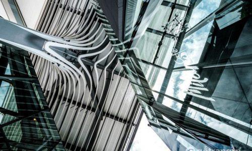 Glass House ở Sindhorn - Kiến tạo kiến trúc dựa vào bối cảnh hiện hữu