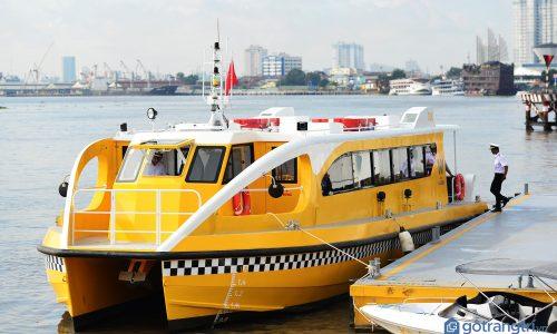 Trải nghiệm tàu buýt trên sông đầu tiên ở Thành phố Hồ Chí Minh