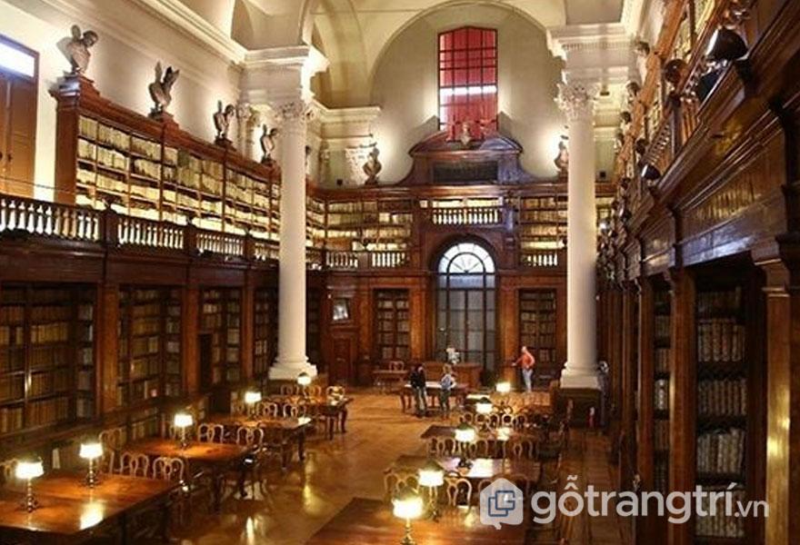 Trường đại học Bologna ở châu Âu - Ảnh vnexpress.net