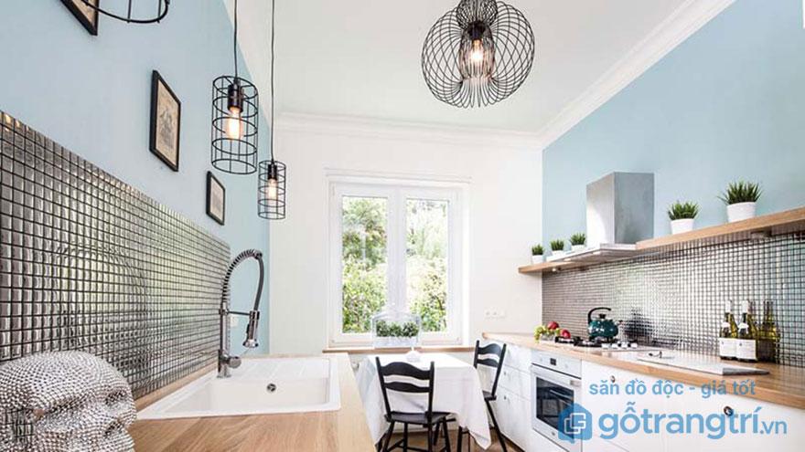 Đèn nhà bếp đẹp với ánh sáng không quá chói mắt