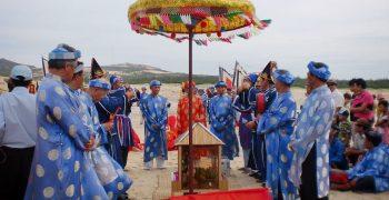 Nét đẹp văn hóa lễ hội Cá Ông truyền thống của người dân miền biển