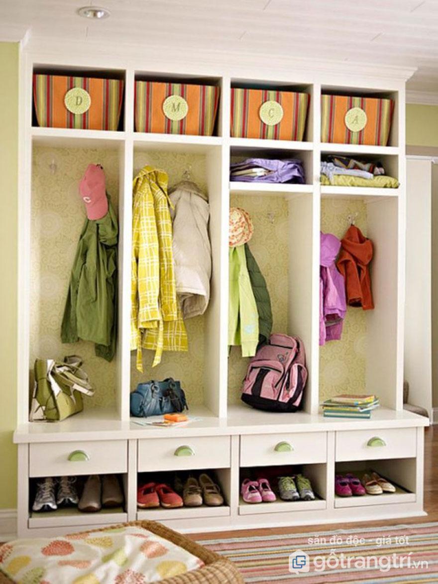 Tự thiết kế tủ quần áo xinh xắn trong phòng ngủ hẹp