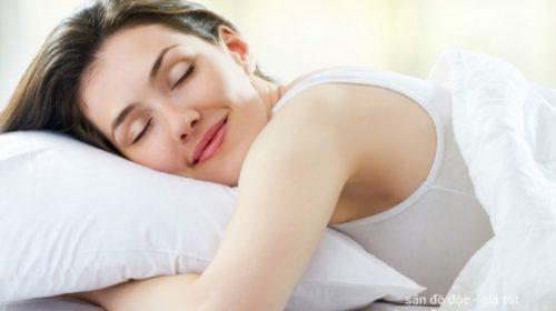 Phong thủy phòng ngủ: Hướng ngủ có tác động như thế nào đến người nằm
