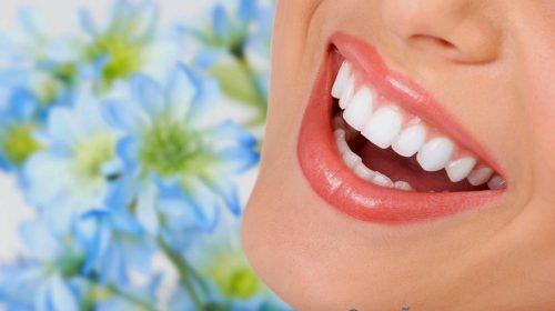 Lấy lại nụ cười sáng bóng với 9 mẹo tẩy vết ố vàng trên răng