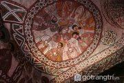 Kiến trúc treo leo trên vách đá của những nhà thờ cổ nhất thế giới