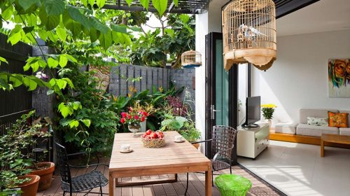 Gợi ý 5 ý tưởng trang trí sân vườn theo phong cách lãng mạn ngày hè