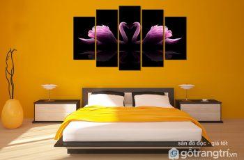 Nguyên tắc chọn tranh treo phòng ngủ cho đôi vợ chồng trẻ
