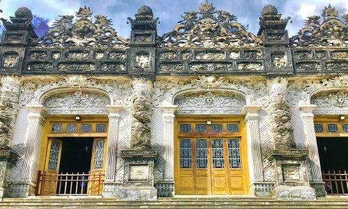 Kiến trúc lăng Khải Định - Nét độc đáo giao thoa văn hóa Đông - Tây