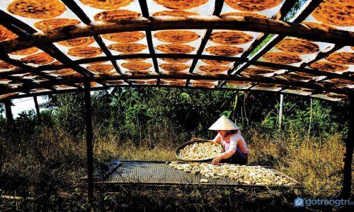 Khám phá hương vị miền Tây qua làng nghề chauối khô Cà Mau truyền thống