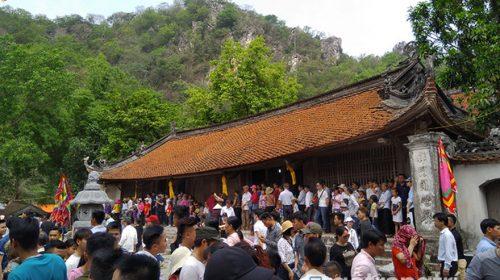 Lễ hội Chùa Thầy - Lễ hội truyền thống của du lịch văn hóa tâm linh