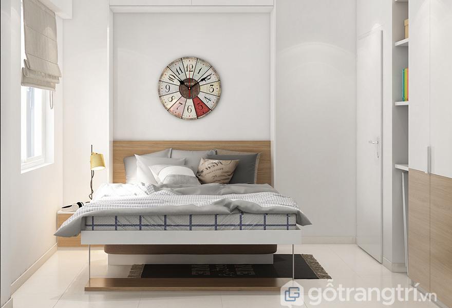 Căn phòng được thiết kế đơn giản, nhẹ nhàng