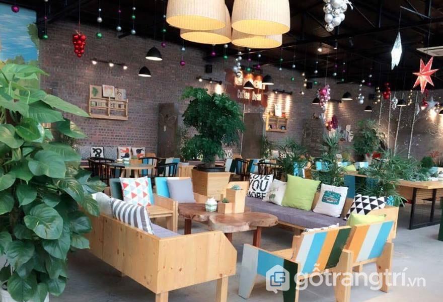 Green Coffee Bean còn có nhiều chỗ rộng rãi, thoải mái để cho nhóm bạn ngồi tụ họp với nhau