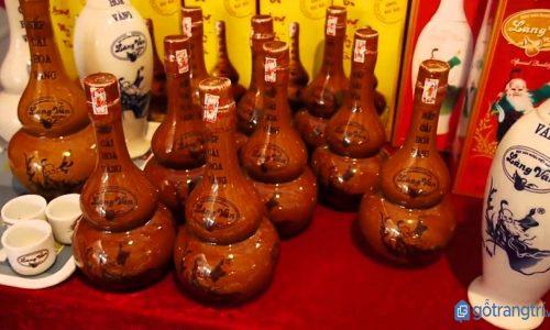 Về làng Vân tìm hiểu nghệ thuật nấu rượu gia truyền hàng trăm năm