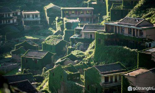 Ngôi làng bỏ hoang 30 năm tại Trung Quốc trở thành địa điểm hút khách