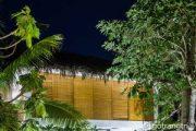 Phong cách kiến trúc nhiệt đới đẹp mê ly trong căn nhà tại Trà Vinh