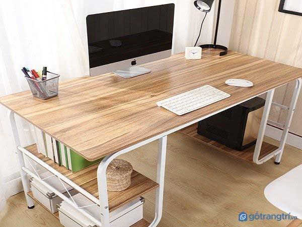 Bàn làm việc bằng gỗ thông có rất nhiều ưu điểm