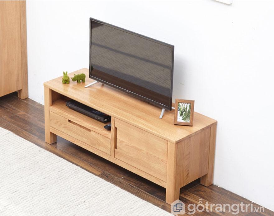 Ke-tivi-gia-dinh-go-soi-kieu-dang-nho-gon-GHS-3273
