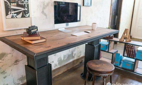Lý giải sức hút đặc biệt của bàn làm việc gỗ sồi đẹp tiện dụng