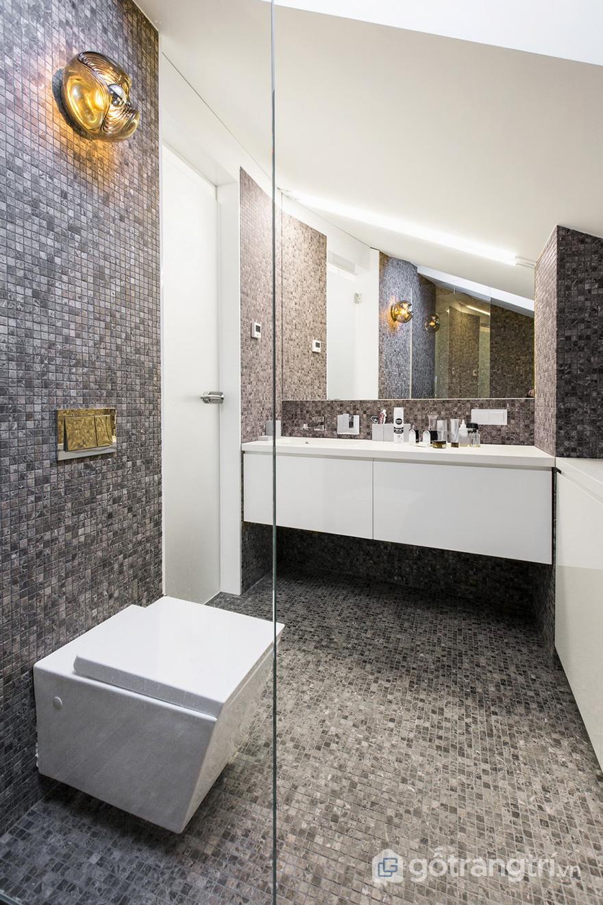 Khu vực nhà tắm thiết kế hiện đại, gọn gàng và sạch sẽ