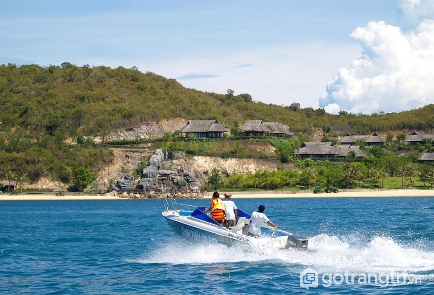 Khám phá nét đẹp nên thơ tại Đảo Hòn Tằm - Nha Trang