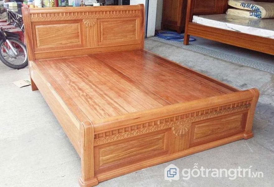 Giường ngủ gỗ gì tốt: Gỗ Pơ mu cao cấp