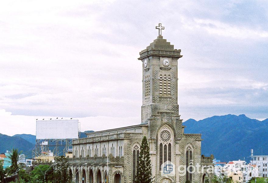 Nhà thờ chánh tòa được xây dựng vào những năm đầu thế kỷ 20 - Ảnh sưu tầm
